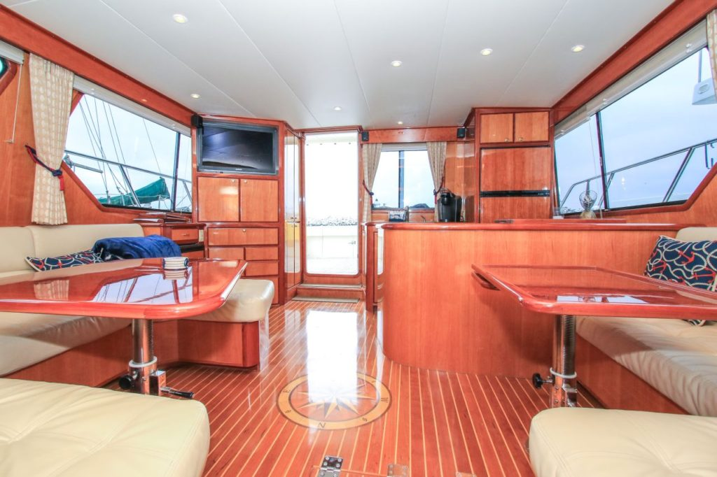 mikelson-yacht-full-interior