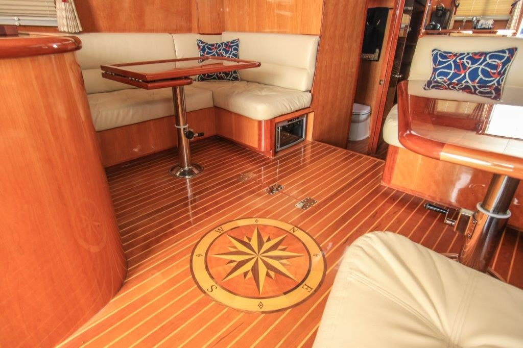 mikelson-yacht-interior
